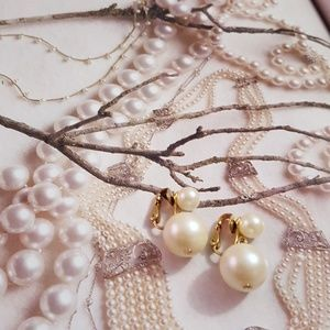 Jewelry - Classic Clip on pearl earrings